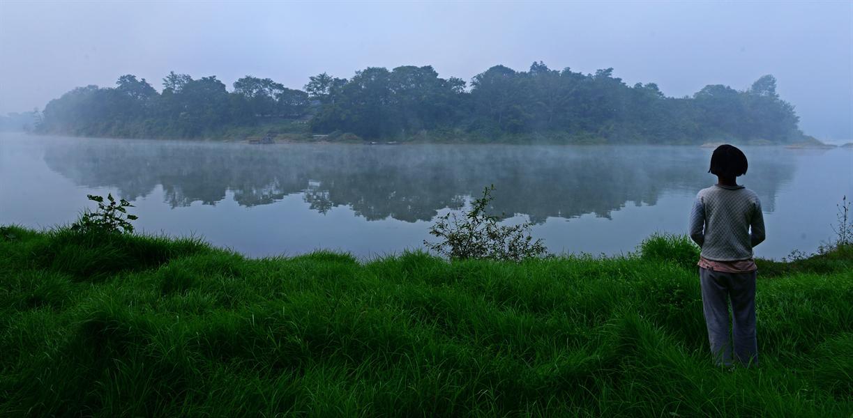 07摄于湖南靖州县太阳坪渠水边边上.                    赞 (0)
