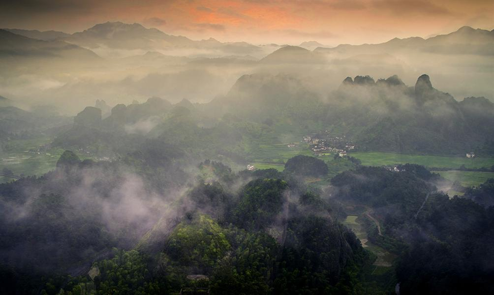 拍摄于新宁县2012年崀山风景区之辣椒峰