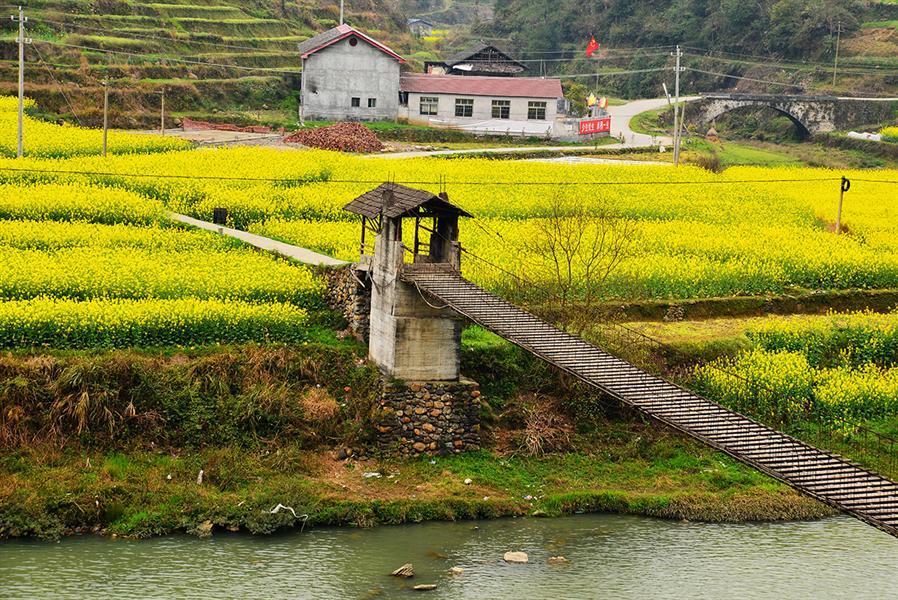 22摄于溆浦县北斗溪乡