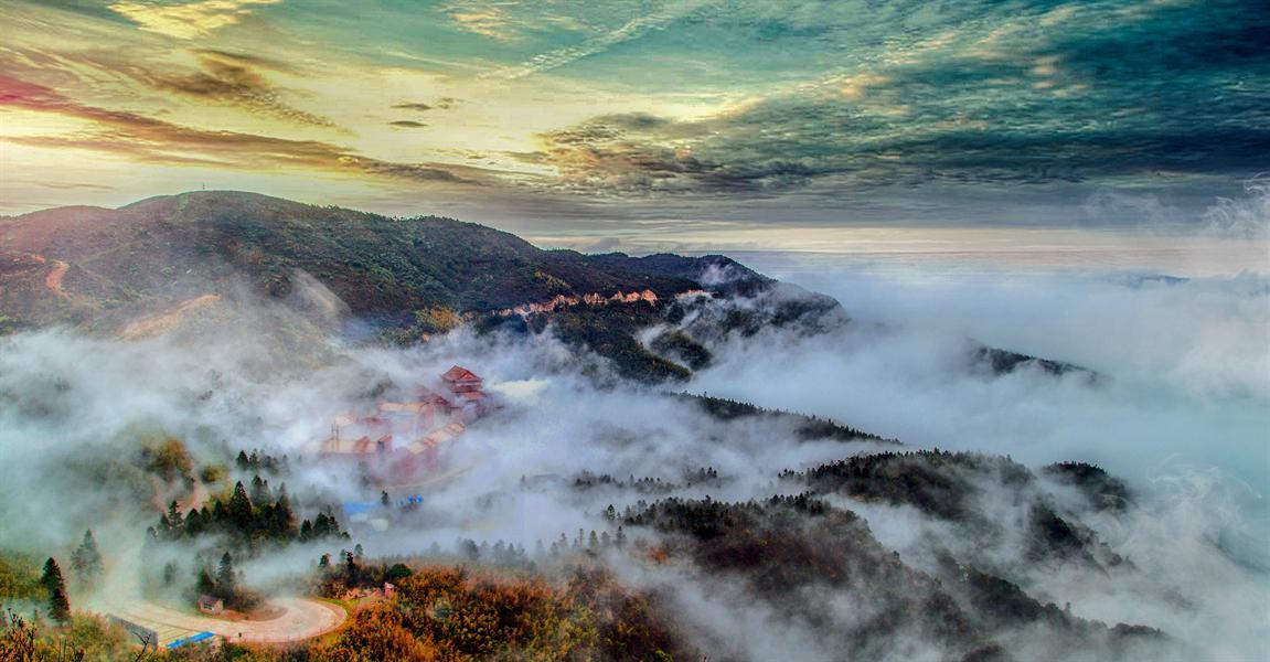 永州市阳明山国家森林公园万寿寺的云海