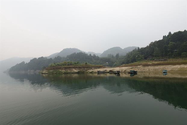 近年来,保靖县加大对酉水河的治理,取得非常大的成效.