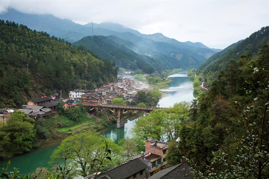 2015摄于江华瑶族自治县水口大桥