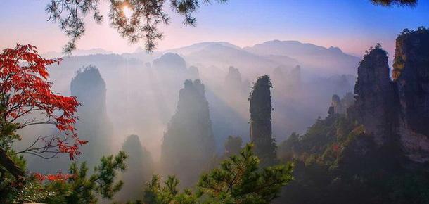 图 / 覃文乐     张家界武陵源风景名胜区,中国第一个国家